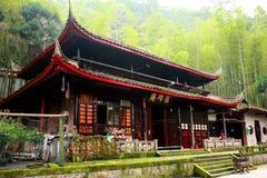 Kloster av monteringsEmai Shan Arkivbilder