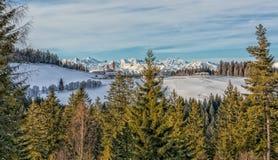 Kloster av Pietralba nära Monte San Pietro, Nova Ponente, södra Tyrol, Italien Den viktigaste fristaden av södra Tyrol Winte Arkivfoton