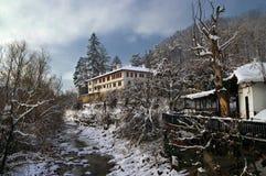 Kloster in Balkan-Bergen Lizenzfreies Stockfoto