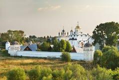 Kloster der Fürbitte (Suzdal) lizenzfreies stockbild