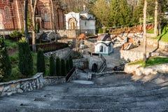 Kloster Djunis med kyrkan av modern av omslaget för gud` s, Serbien Arkivfoton