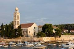 kloster för århundrade för th 15 Franciscan i Hvar, Kroatien royaltyfri fotografi