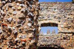 Kloster för St Augustines Abbey Benedictine återstår i Canterbury Arkivfoton