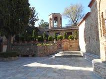 Kloster-Hof, Meteora, Griechenland stockbilder