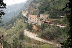 Kloster i dalen royaltyfria bilder