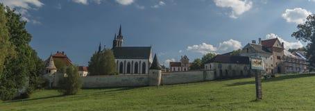 Kloster i den Vyssi Brod staden Arkivfoto