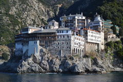 Kloster i järnek Mount Athos Royaltyfri Fotografi