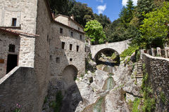 Kloster i Le Celle italy Arkivfoto