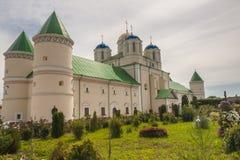 Kloster i Ostroh - Ukraina. Royaltyfria Foton