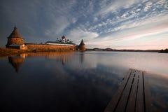 Kloster im frühen Morgen Stockfotos