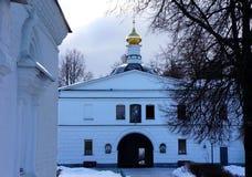 Kloster-Kathedrale von Überziehschutzanlage Boris und Gleb in Dmitrov Stockbild