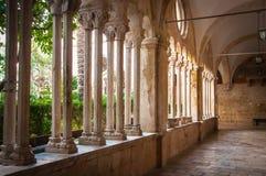 Kloster-Kolonnade in Dubrovnik, Kroatien Stockbild