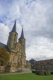 Kloster Michelsberg (Michaelsberg) i Bamburg, Tyskland med blått Royaltyfri Fotografi