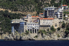Kloster Osiou Grigoriou & x28; St Gregory & x29; på Mount Athos Arkivfoton