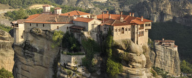 Kloster på Meteora i Grekland Royaltyfria Bilder
