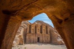 Kloster på Petra, Jordanien Royaltyfri Bild