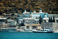 Kloster Panteleimonos på Mount Athos i Grekland Royaltyfri Fotografi