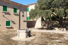 Kloster Santuari de Cura vatten väl på Puig de Randa, Majorca Fotografering för Bildbyråer