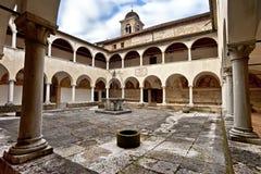 Kloster, Schongebiet-Heiliges Vittore und Heilig-Korona nahe Anzu, Feltre, Belluno stockbilder