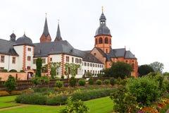 Kloster Seligenstadt: Benedictineabbotskloster och örtagård ger Fotografering för Bildbyråer
