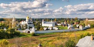 kloster suzdal pokrovsky russia Arkivbilder