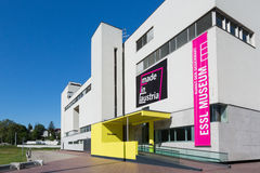 KLOSTERNEUBURG ÖSTERRIKE - MAJ 08, 2014: Foto av Esslen Musem, Arkivbilder