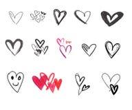 Klotter uppsättning för valentindaghjärtor, utdragna symboler för hand och illustrationer för valentin och bröllop vektor illustrationer