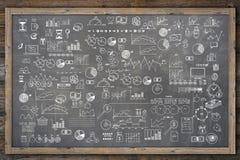 Klottret för den svart tavlan för skolahögskolan drog skissar handen Arkivbilder