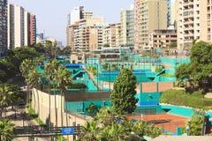 Klubbatennis Las Terrazas i Miraflores, Lima, Peru Royaltyfri Bild