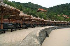 Klubsessel auf dem Strand Lizenzfreie Stockfotografie