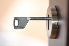 Klucz w keyhole Fotografia Stock