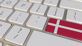 Klucz z flag? Dani na komputerowej klawiatury zmianach wpisywa? z flag? usa, przek?ad lub przeniesienie, zdjęcie wideo