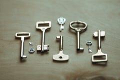 Klucze na stole Zdjęcie Stock