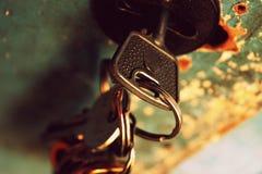 Klucze w keyhole Obrazy Stock