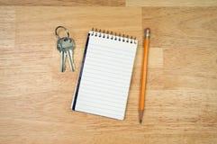 kluczy ochraniacza papieru ołówek Obraz Royalty Free
