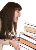 Kluges Mädchen mit altem Buch der Gruppe. Stockfoto