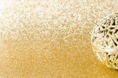 Klumpa ihop sig guld- jul för tappning blänker på guld- textur Royaltyfri Bild