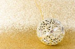 Klumpa ihop sig guld- jul för tappning blänker på guld- textur Royaltyfria Bilder