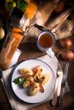 Kluski de Szare - boulettes polonaises de pomme de terre Photographie stock libre de droits