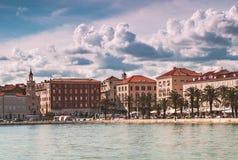 Kluven promenadKroatien Arkivbild