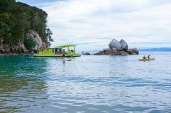 Kluvna Apple vaggar Abel Tasman National Park Motueka Nya Zeeland Royaltyfria Bilder