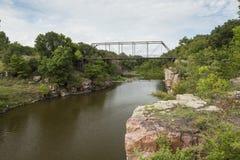 Kluvna Rock Creek arkivfoto