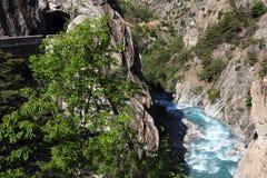 Klyfta du Guil i den franska Queyras naturen parkerar Arkivbild