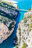 Klyfta Du Verdon, bro, Sainte Croix Lake-France Fotografering för Bildbyråer