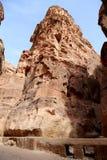 1 2km lange weg (zoals-Siq) aan de stad van Petra, Jordanië Stock Fotografie