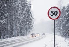 Km/tim för vägmärkehastighetsbegränsning 50 Fotografering för Bildbyråer