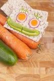 Knäckebrood met groenten Stock Foto's