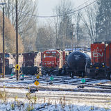 KN-Schienen-Lokomotive im Zug-Yard Stockfoto