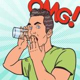 Knall Art Man Overhears Secret Conversation mit Glas Spion hört heimlich zu Lizenzfreie Stockbilder