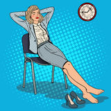 Knall Art Tired Business Woman Relaxing auf Stuhl Stockfotografie